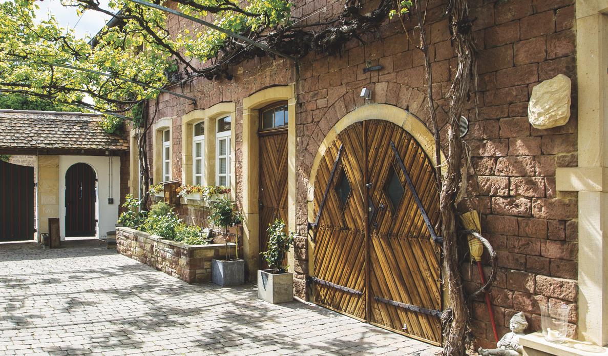 Schmieders GmbH Event, Location und Catering in einem ehemaligen Weingut. Der Betrieb wirtschaftet komplett nachhaltig.